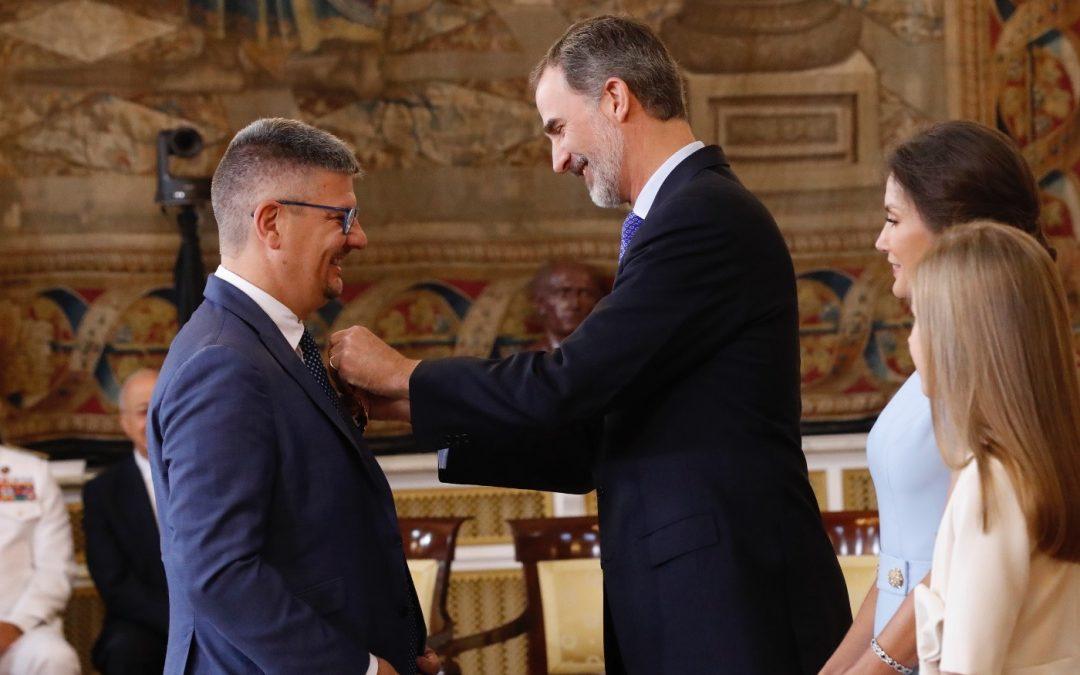 Condecoración de la Casa Real de España a Barrios Orquestados